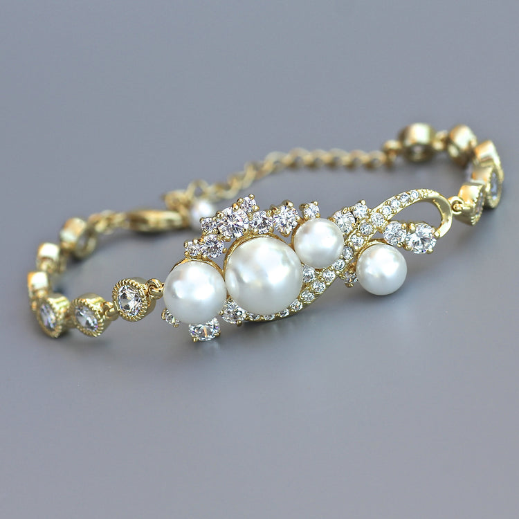 Tilly pearl and crystal bracelet