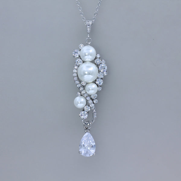 Pearl and Crystal Necklace - Tilly