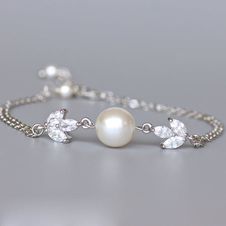 Dainty Crystal and Pearl  Bracelet, Hayley