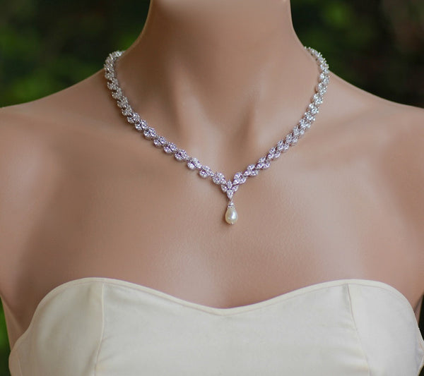 Pearl and Crystal Necklace, FELICITY