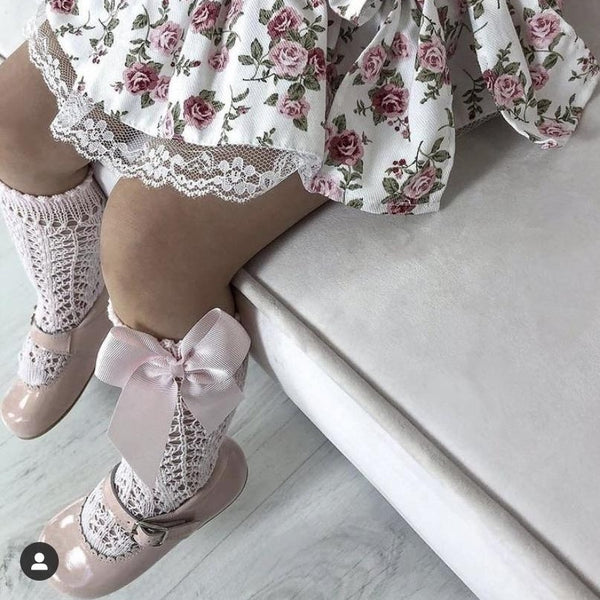 Pink Condor Perle Openwork Knee High Sock with Bow