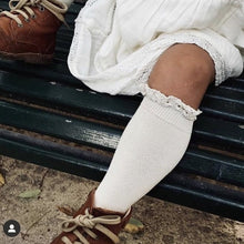 Linen Knee-High Sock with lace eding