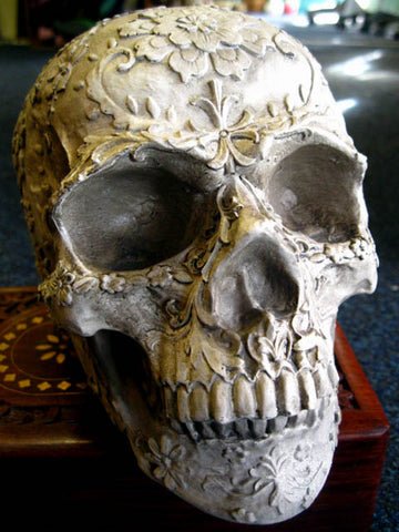 FLORAL DECAY SKULL HEAD FIGURE