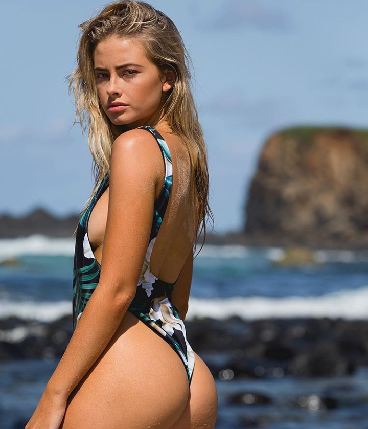 Uluwatu One Piece in Jungle/Black