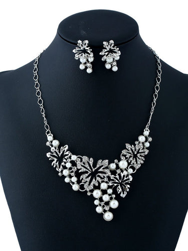 Hollow Out Floral Pearl Pendant Necklace And Earrings Set