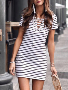 V-Neck  Lace-Up  Printed Shift Dress
