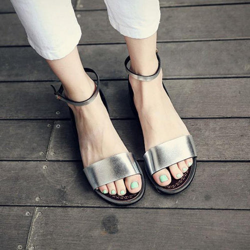Flat With Metal Wild Round Head Sandals