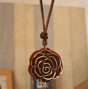 Rose leather rope necklace sweater chain