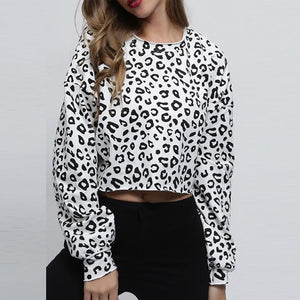 Round Neck  Exposed Navel  Leopard Printed   Sweatshirts