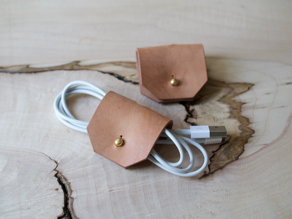 Cable Tidy - Full Grain Leather - Russet