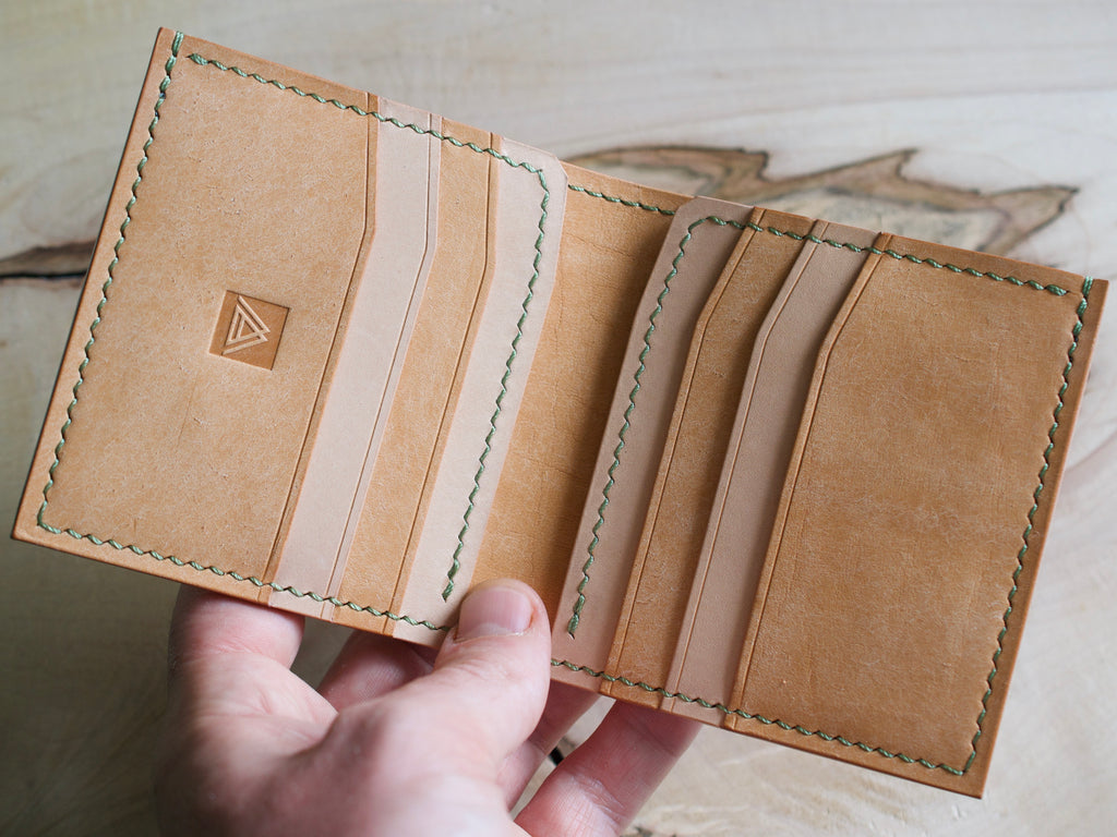 Trompette - 6 Pocket Bifold Wallet - Bone Pueblo and Natural Buttero