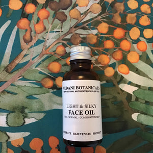 LIGHT & SILKY FACE OIL pomegranate & sea buckthorn