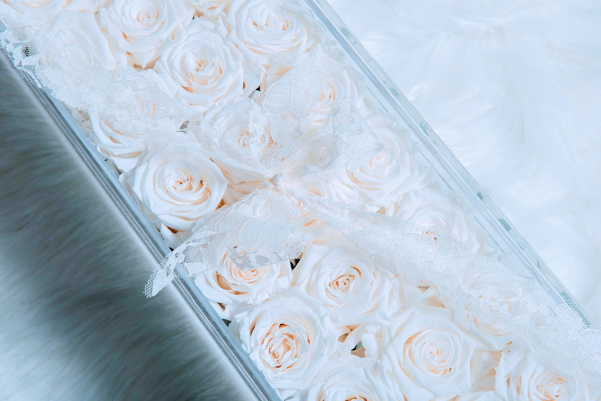 Roses and Stems That Last a Year - Luxurious Centerpiece - Color Variety Available