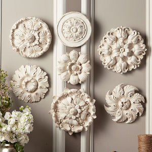 Two's Company Medallion Decor