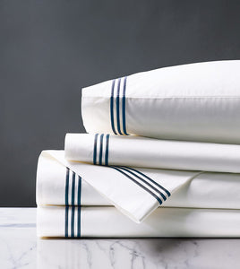 Tessa White/Navy Sheet Set