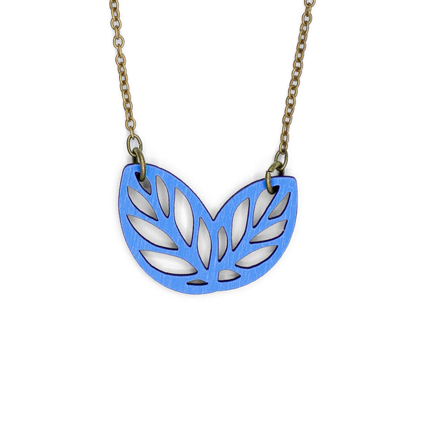 Ribbon Bush Blue Necklace