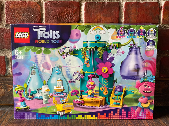 LEGO Trolls  World Tour Pop Village Celebration Treehouse (41255)