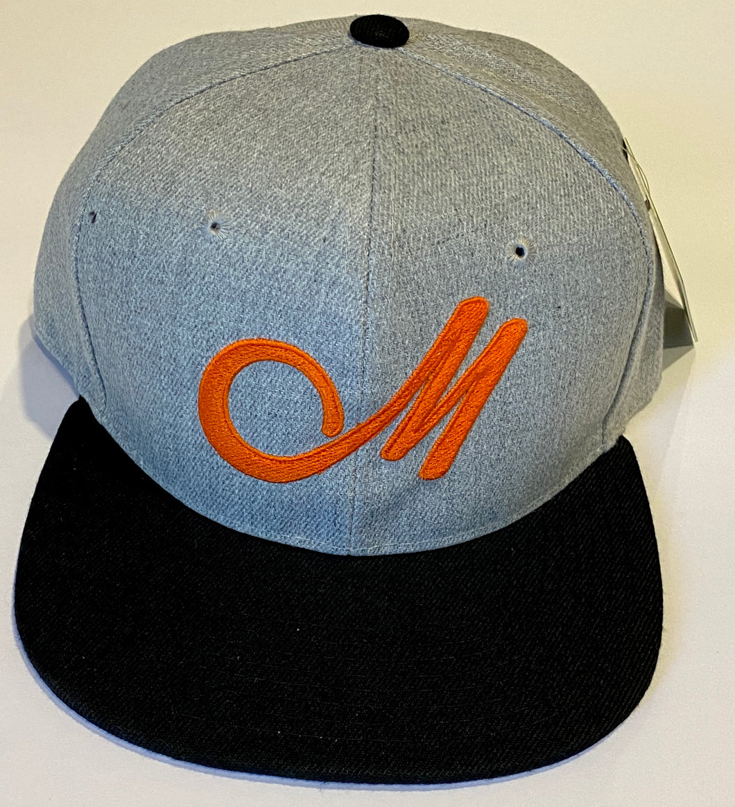 M LOGO SNAP BACK GREY & BLACK BASEBALL HAT
