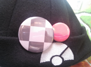 Pkmn Button Accessory - Kalos Trainer