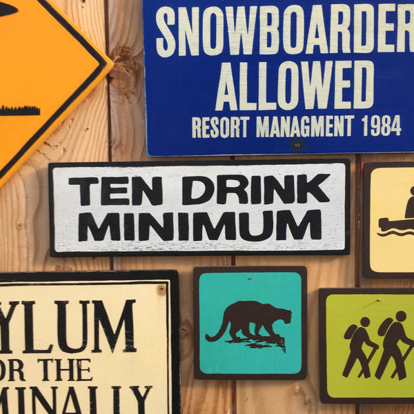 "Futurama ""Ten Drink Minimum"" Sign 