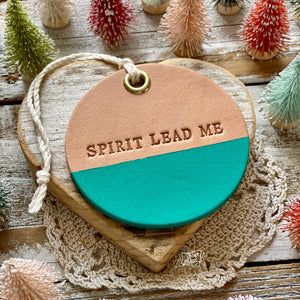 leather ornament SPIRIT LEAD ME (matte turquoise)