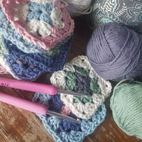 learn to crochet class at Handzon