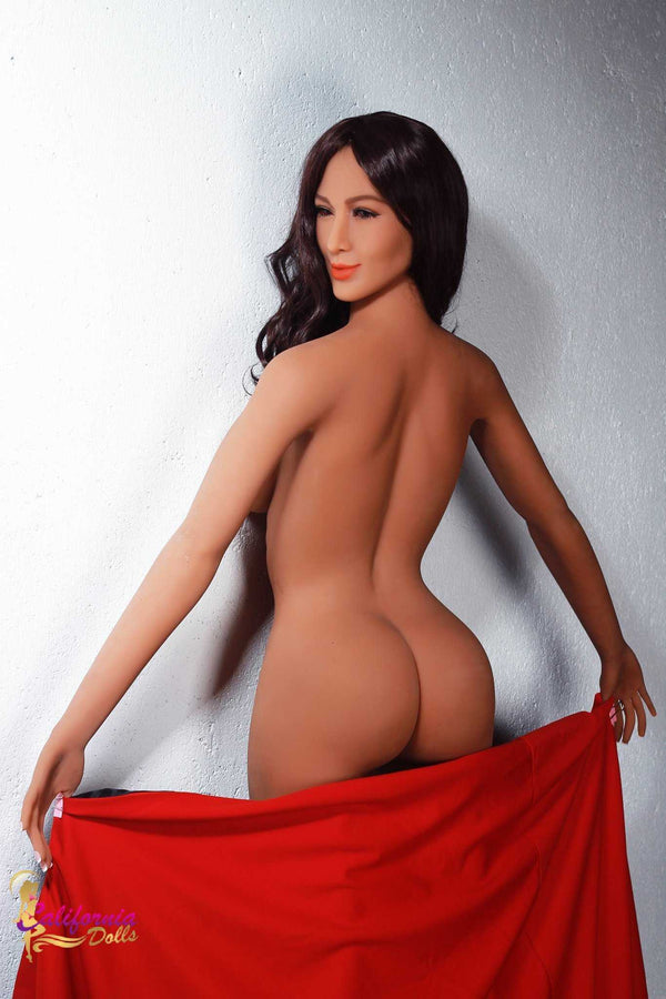 Nude Brazilian with gorgeous tanned butt.