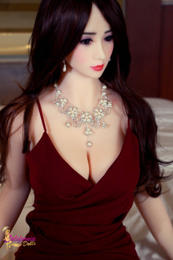 Irresistible sex doll wearing necklace