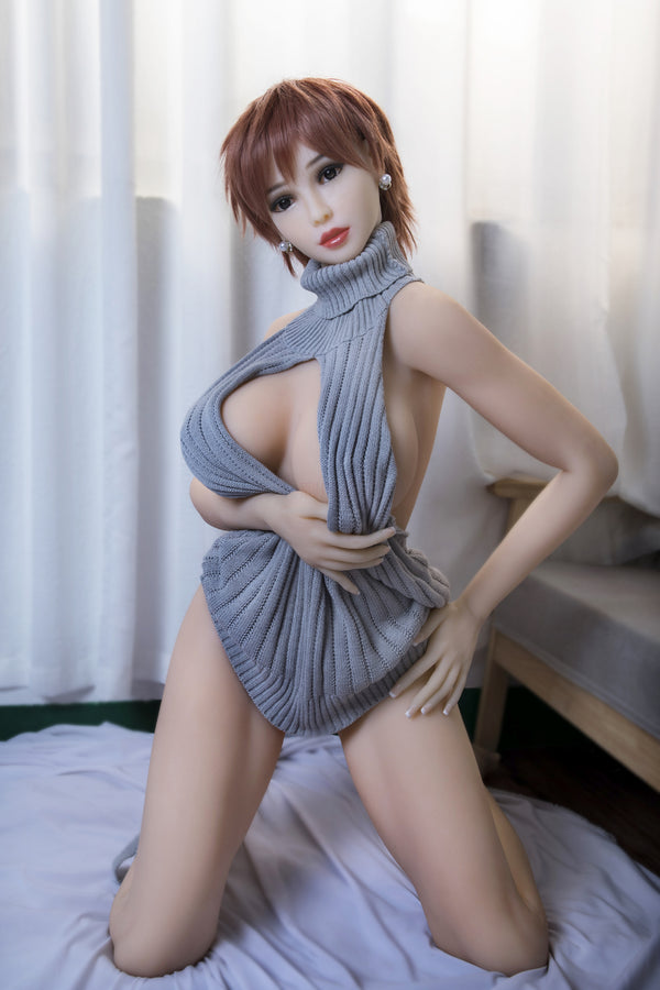 Big sex doll opens pretty legs.