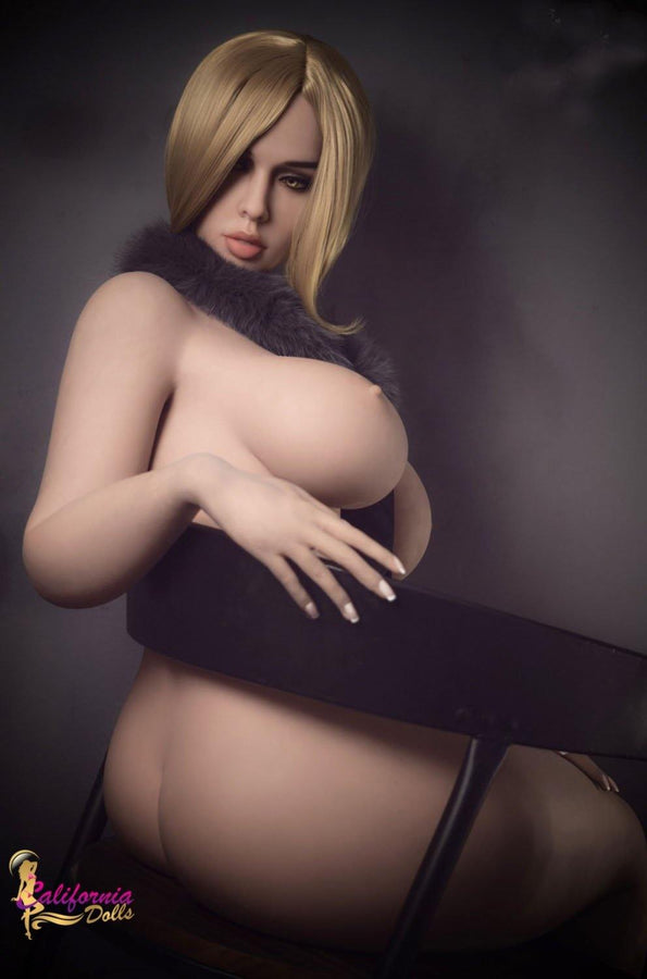 Sexy bbw sex doll showing off her gorgeous face and hugh boobs.