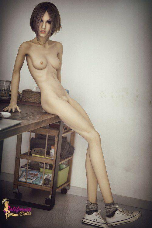 Nude sex doll with slim and sexy body.