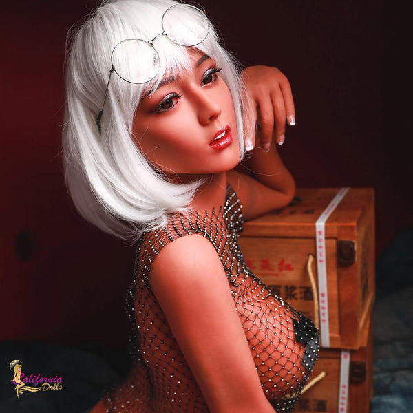 TPE sex doll with gorgeous facial features.