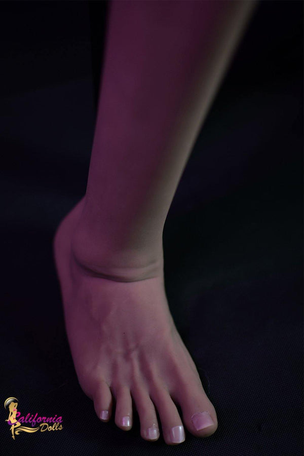 Hand crafted realistic feet.
