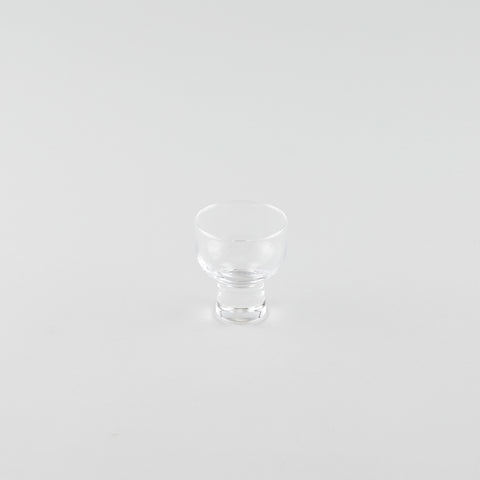 Stout Glass Sake Cup with Base (L)