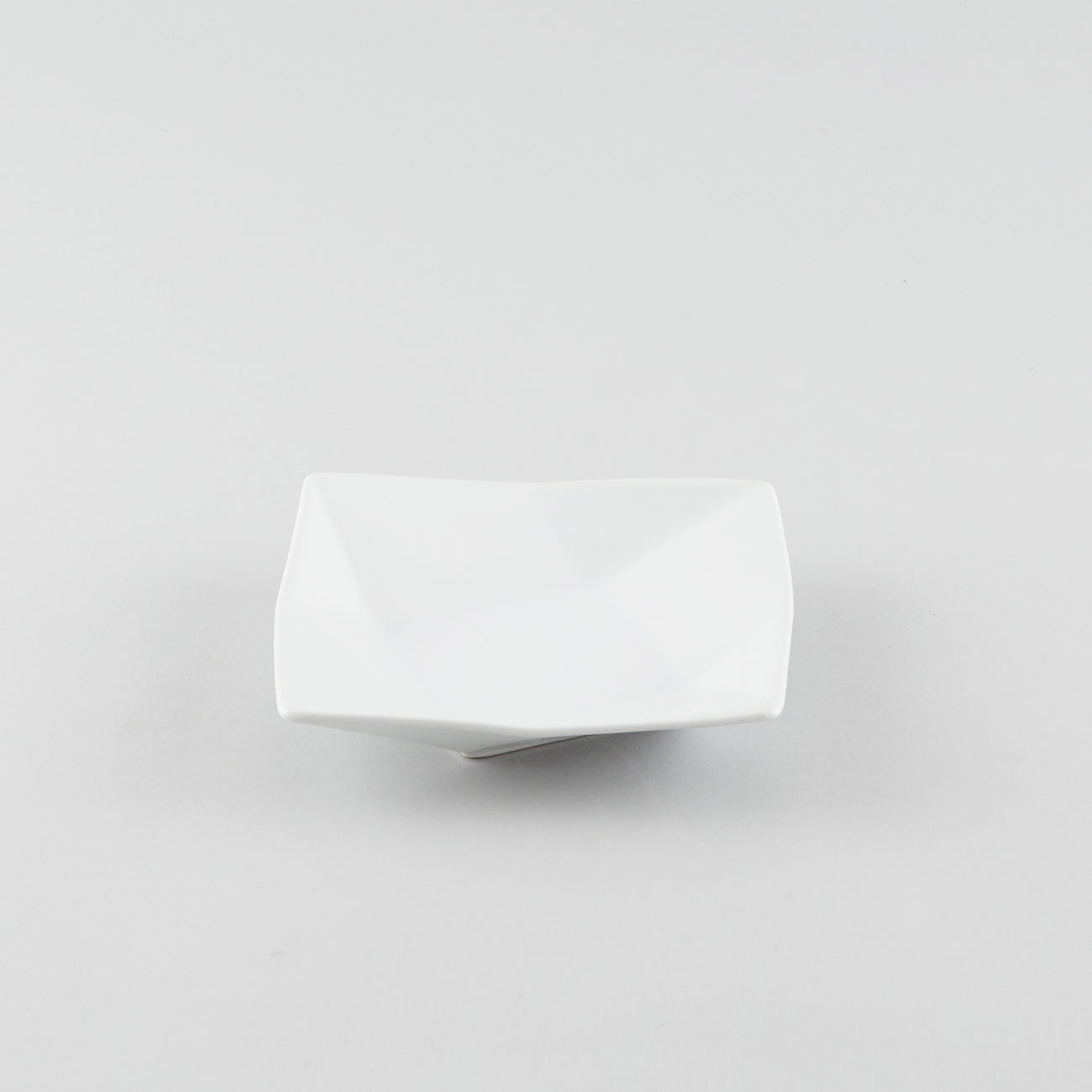 Twist Shallow Square Plate - White (S)