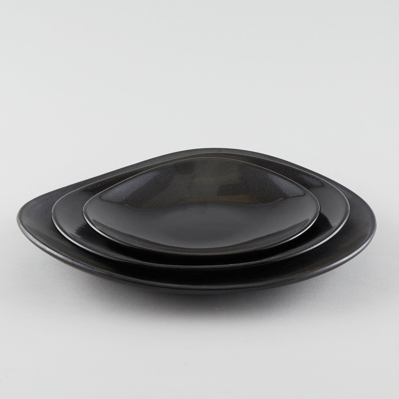 Clam Shape Plate - Black (M)