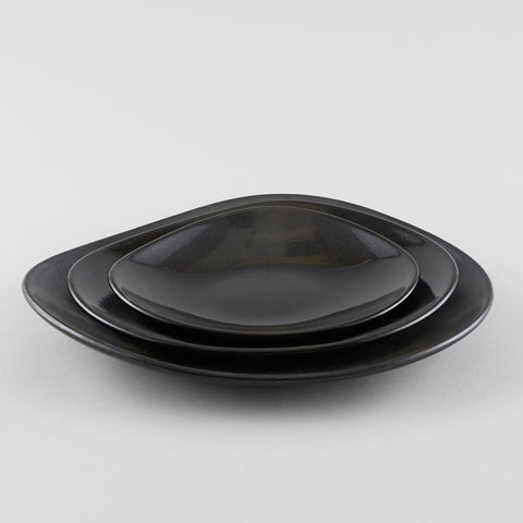 Clam Shape Plate - Black (L)