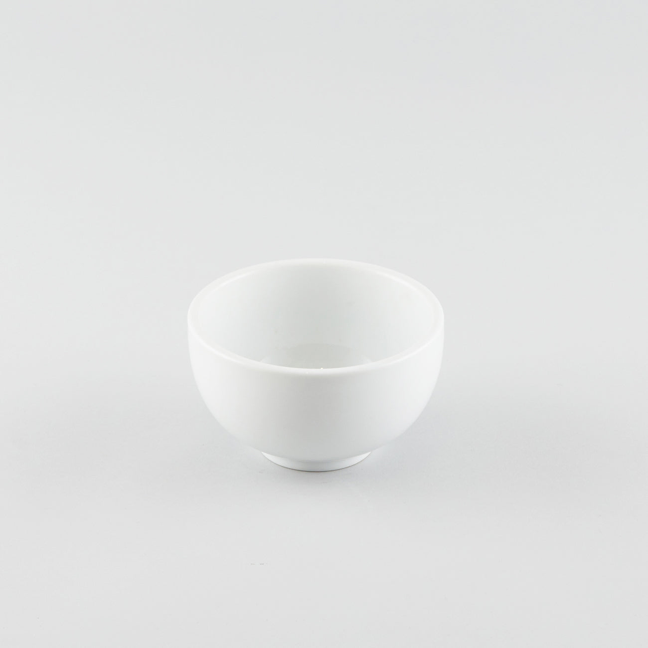 Rounded Donburi Side Bowl - White (S) 24 fl oz.