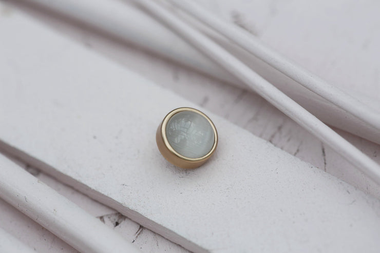 WHITE CAT EYE CABOCHON STONE 9MM BRONZE