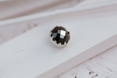 BLACK BEZEL PRONG STONE 9MM SILVER