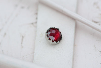 DARK RUBY BEZEL PRONG STONE 9MM SILVER