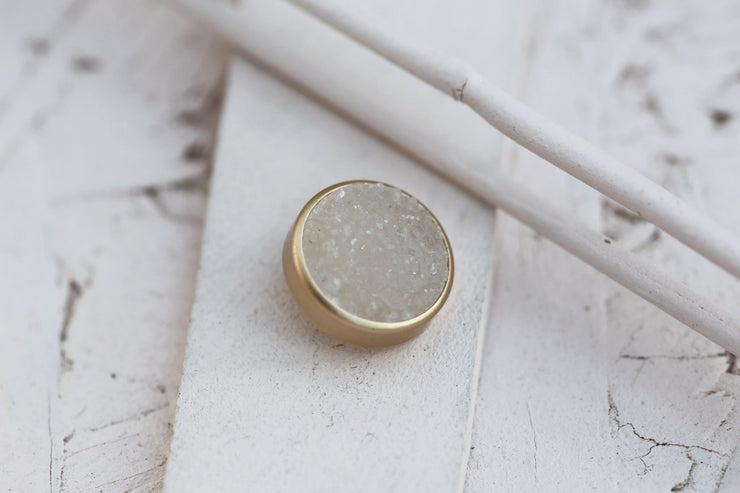 WHITE DRUZY STONE 12MM BRONZE