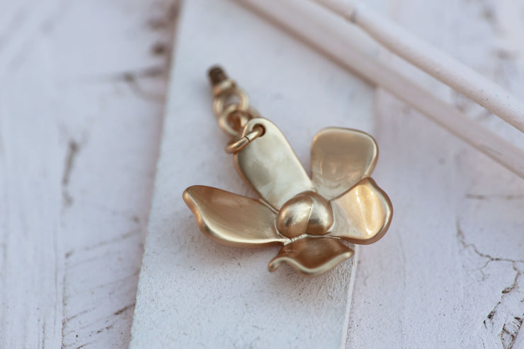 FLOWER HANGING BRONZE 18MM