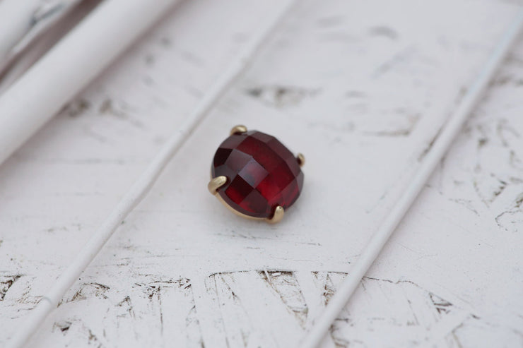 RUBY PRONG STONE 14MM BRONZE