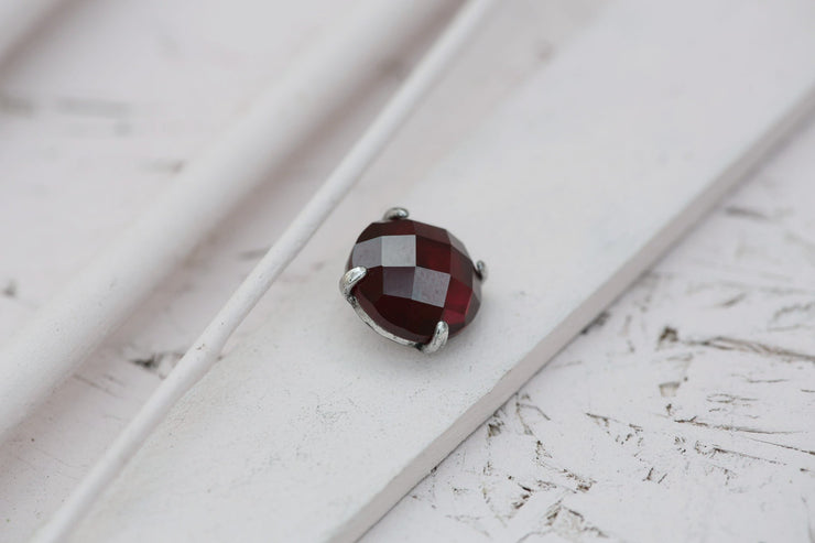 RUBY PRONG STONE 14MM SILVER