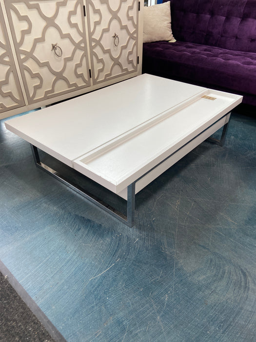 White lifting Coffee Table