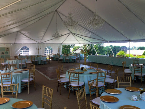 Frame tent for more space at the restaurant