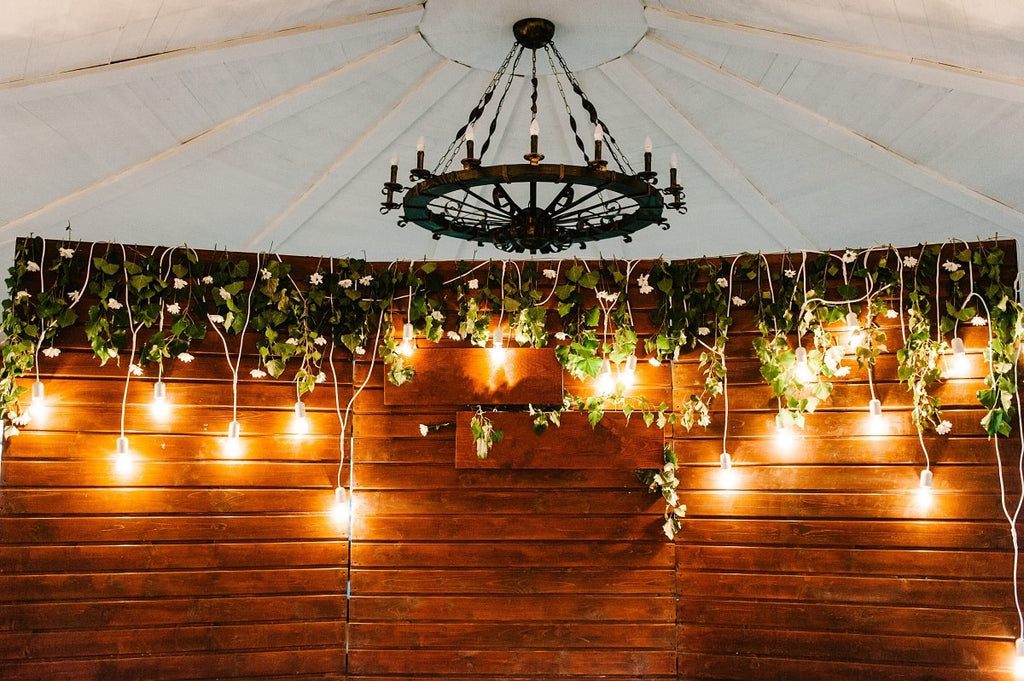 How to Decorate a Tent for a Graduation Party