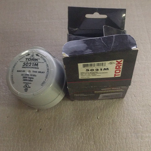 Turn Lock Mounting Delayed Response Photo Control 105-130V - Tork - (5021M)