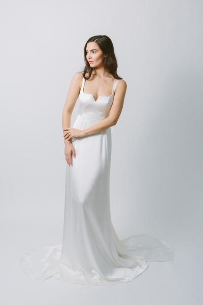 Lavictoire Bella wedding dress front